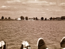 IMG0005 Legs on lake